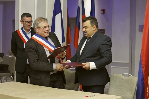 Association of Rural Mayors of France and theAssociation of Communities of Armenia renewed their partnership agreement