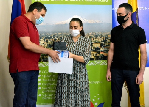 Awarding prizes to winners of online competitions organized within the framework of the EU Sustainable Energy Week in Armenia in Ejmiatsin